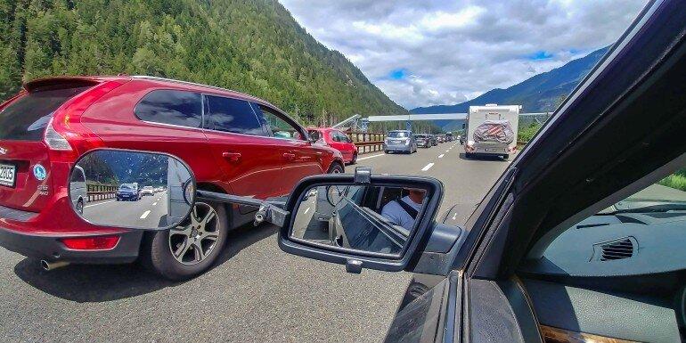 Foto aus dem BMW Seitenfenster auf der Brenner Autobahn mit dem Gespann
