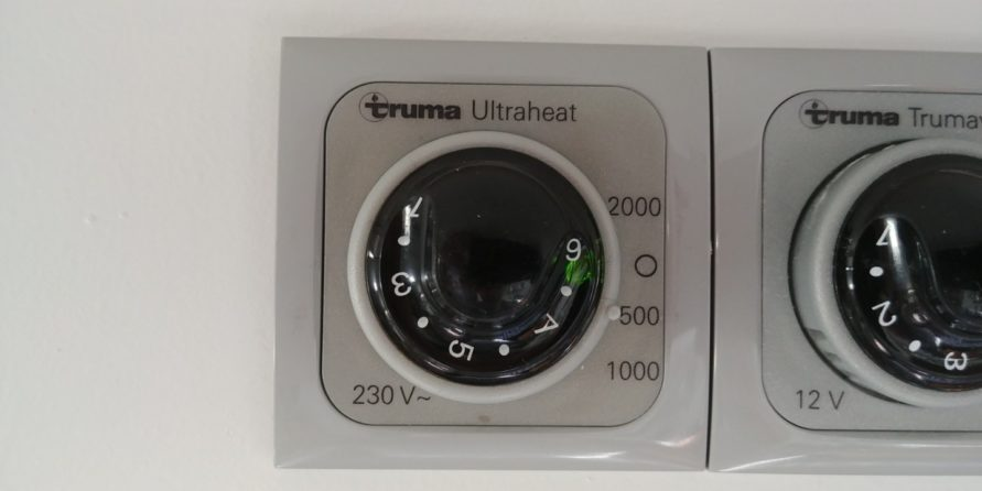 Truma Ultraheat Bedienpanel Nahaufnahme auf 500 W