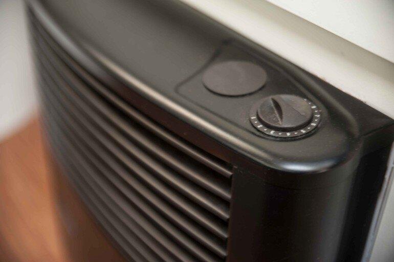 Temperatur Regler auf der Truma Gasheizungsverkleidung