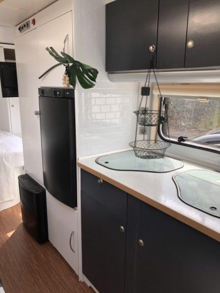 Wohnwagen Küchenzeile komplett renoviert und ich weiss gestrichen