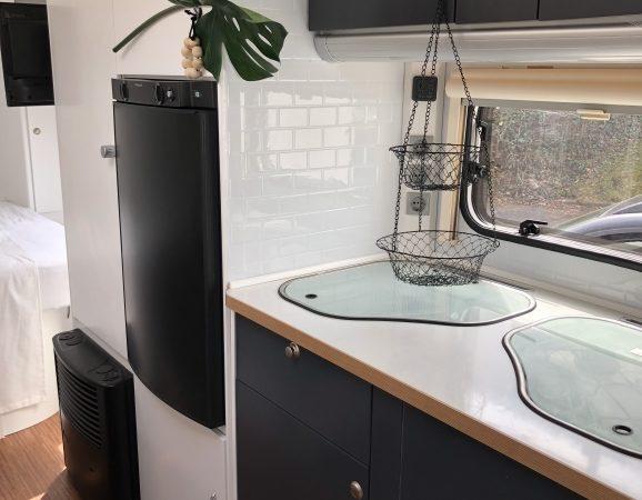 mysmallhouse.de wohnwagen camper umbau diy reisen camping kühlschrank einbau