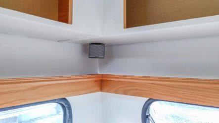 Bluetooth Sound System - Bose Companion 3 Multimedia Lautsprecher System Satelliten Lautsprecher in Regalecke eingebaut