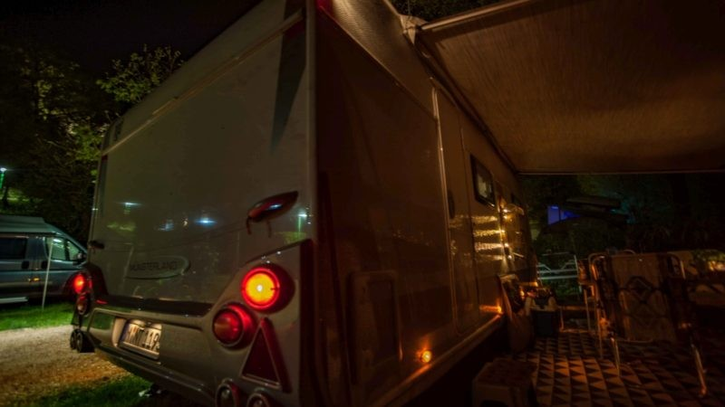 mysmallhouse.de wohnwagen camper umbau diy technik positionsleuchten umrissleuchten zuschalten 12v