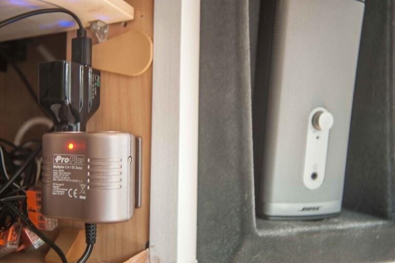 12V Zigaretten Anzünder Anschluß mit 5V USB Ladestecker für Smartphones