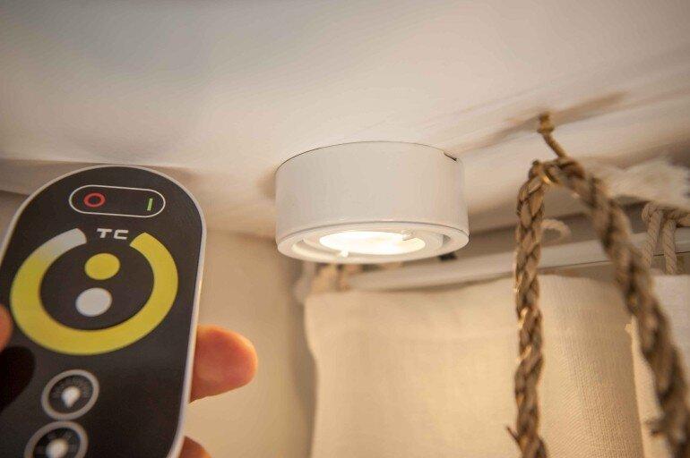 LED Funk Dimmer mit LED Aufbau Strahler 2700k