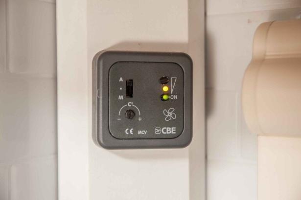 Bedienteil des CBE Kühlschrank Lüfters für Wohnwagen Absorber Kühlschrank
