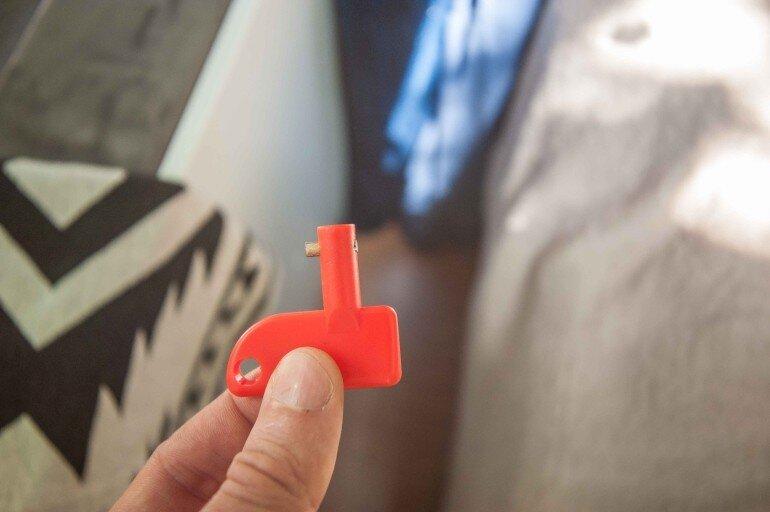 roter Natoknochen - Wohnwagen Mover Hauptschalter Schlüssel
