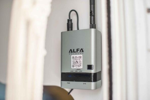 WiFi für Camping nachrüsten - Alfa Network Router R36AH