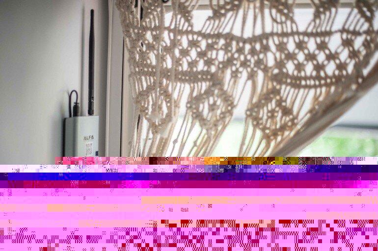 WiFi für Camping nachrüsten - Router im Wohnwagen Eingangsbereich