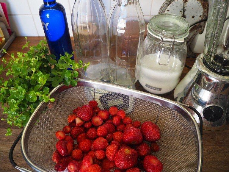 Erdbeeren gewaschen im Abtropfbehälter