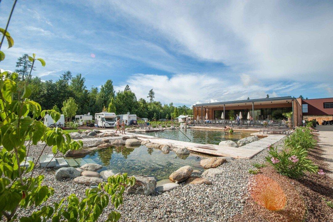 Poolbereich des Campingplatz Montiggl