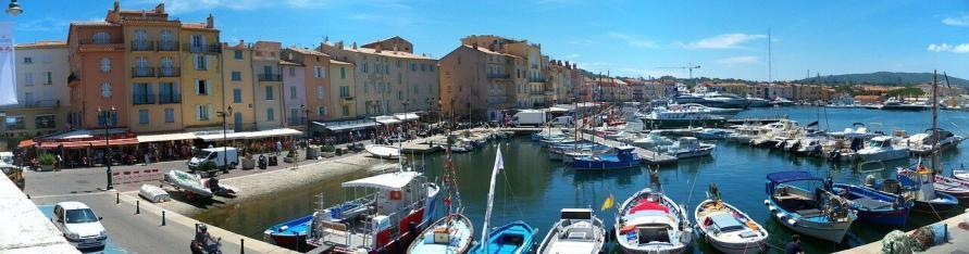180 Grad Blick in den Hafen von Saint Tropez