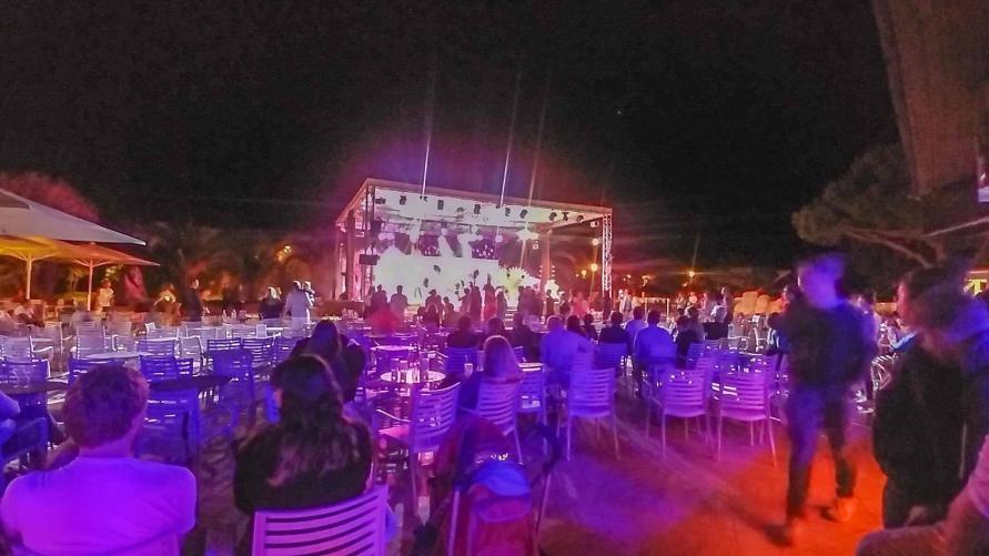 Abend Unterhaltung Animation im Arinella Bianca auf Korsika