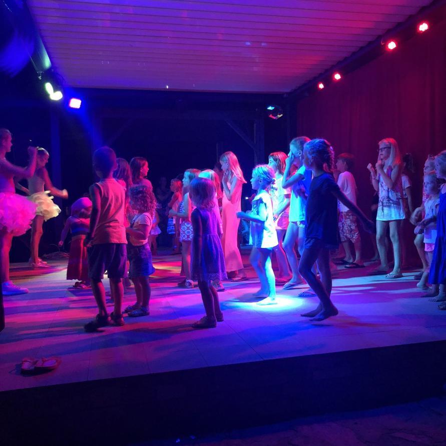 Kinder Animation abends im Le Campoloro auf Korsika