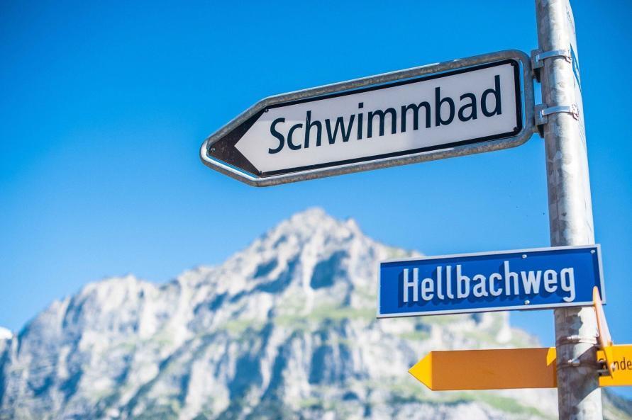 mysmallhouse de wohnwagen camper reisen camping000000 schweiz lauterbrunnen freizeit aktivitäten schwimmen freibad baden