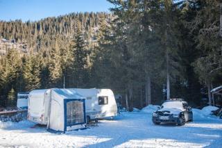 mysmallhouse.de wohnwagen camper wintercamping vorzelt schnee wind schutz winter