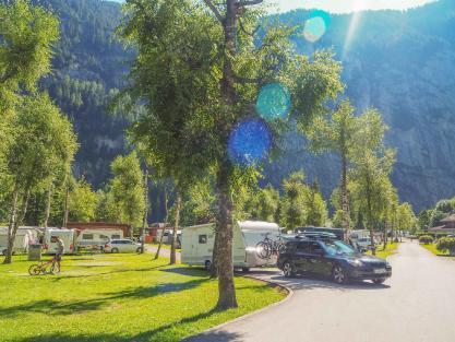 Mit dem Wohnwagen Gespann in die Schweiz - Abfahrt Lauterbrunnen