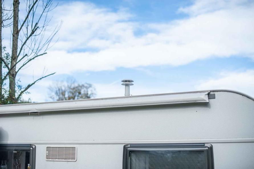 Wohnwagen Dach Abgaskamin heizung truma kaminaufsatz T3 Windschutz Zubehör