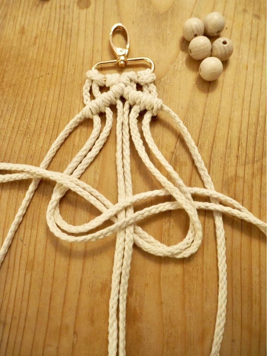 Makramee Schlüsselanhänger DIY selbstgemacht Geschenk Weihnachtsgeschenk Anleitung Tutorial