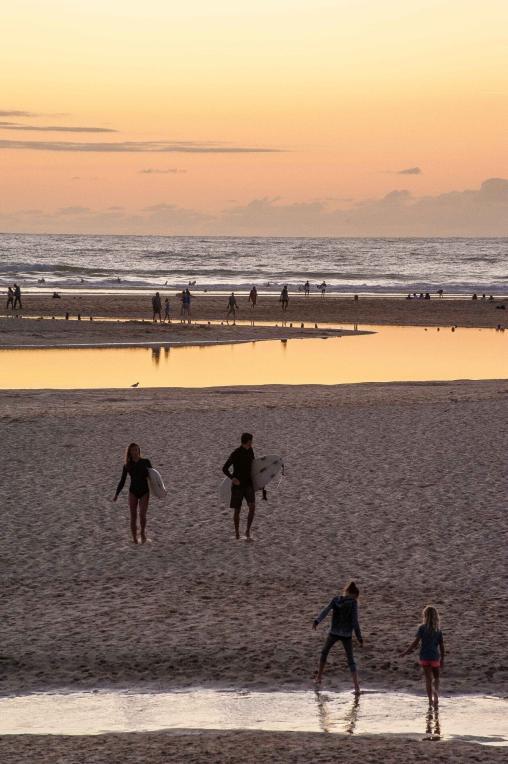 MYSMALLHOUSE.de Surfen und Camping Campingplatz Wohnwagen Zelten Le Saint Martin Atlantik Baden Dünen Surfkurs Sommer Strand Urlaub Stellplatz Sonnenuntergang Meer
