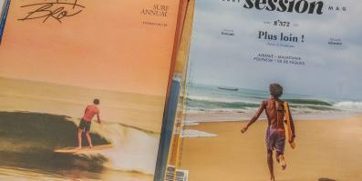 Surfen und Camping Campingplatz Wohnwagen Zelten Le Saint Martin Atlantik Baden Dünen Surfkurs Sommer Strand Urlaub Surf Zeitschrift