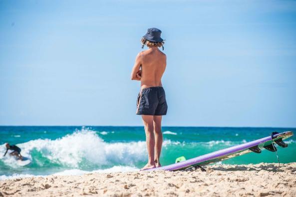 MYSMALLHOUSE.de Surfen und Camping Campingplatz Wohnwagen Zelten Le Saint Martin Atlantik Baden Dünen Surfkurs Sommer Strand Urlaub Stellplatz Surfbrett Surfkurs Surfboard