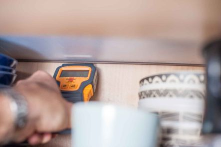 MYSMALLHOUSE.de Brennstuhl Feuchtigkeitsmessgerät für Wohnwagen Dichtigkeitsprüfung Holz Feuchtigkeit Seitennaht