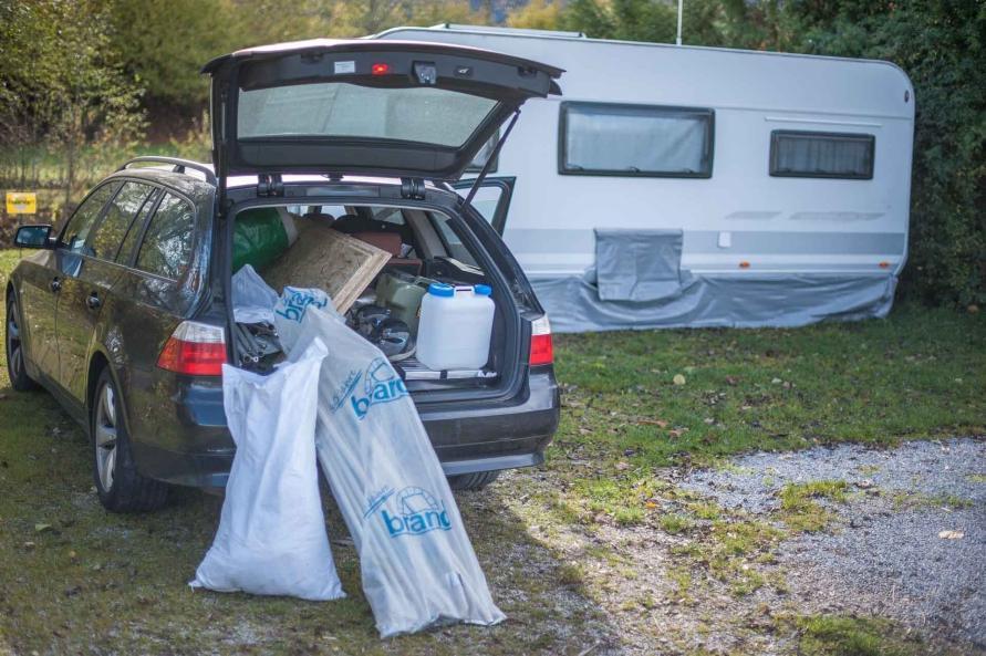 Camping Wohnwagen Vorzeltboden selber aufbauen Kälteschutz Nässeschutz Bodenbelag Boden Wintervorzelt Dauercamping Aufbauanleitung DIY Einkaufsliste