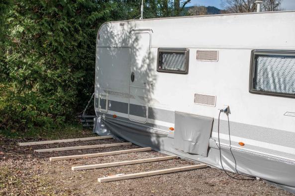 Camping Wohnwagen Vorzeltboden selber aufbauen Kälteschutz Nässeschutz Bodenbelag Boden Wintervorzelt Dauercamping Aufbauanleitung DIY Schritt 1