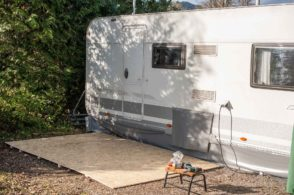 Camping Wohnwagen Vorzeltboden selber aufbauen Kälteschutz Nässeschutz Bodenbelag Boden Wintervorzelt Dauercamping Aufbauanleitung DIY Schritt 3