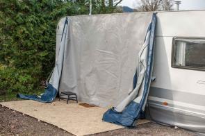Camping Wohnwagen Vorzeltboden selber aufbauen Kälteschutz Nässeschutz Bodenbelag Boden Wintervorzelt Dauercamping Aufbauanleitung DIY Schritt 4