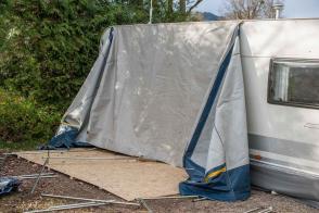 Camping Wohnwagen Vorzeltboden selber aufbauen Kälteschutz Nässeschutz Bodenbelag Boden Wintervorzelt Dauercamping Aufbauanleitung DIY Schritt 5