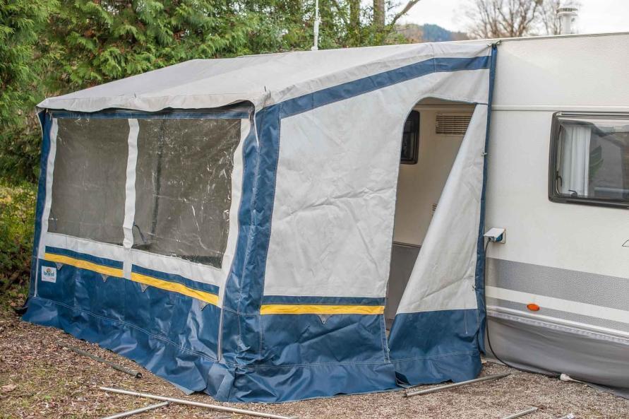 Camping Wohnwagen Vorzeltboden selber aufbauen Kälteschutz Nässeschutz Bodenbelag Boden Wintervorzelt Dauercamping Aufbauanleitung DIY Schritt 7
