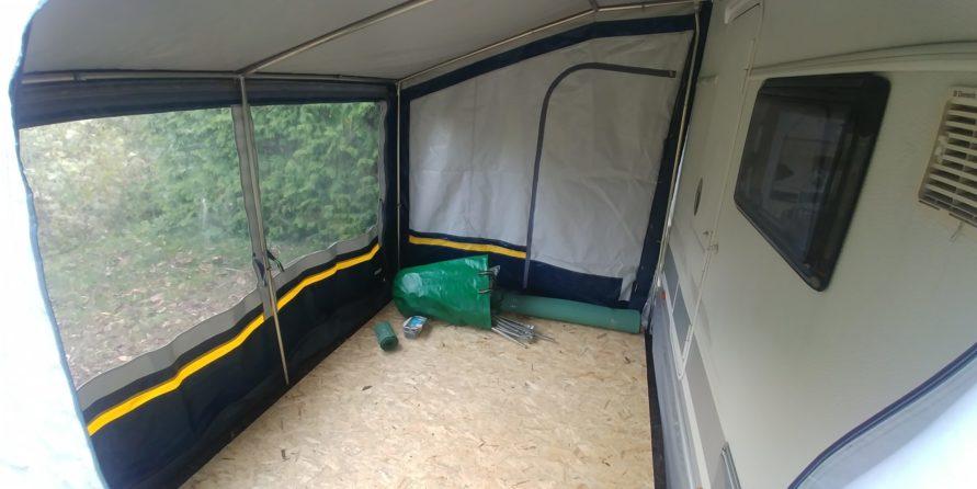 Camping Wohnwagen Vorzeltboden selber aufbauen Kälteschutz Nässeschutz Bodenbelag Boden Wintervorzelt Dauercamping Aufbauanleitung DIY OSB Platten
