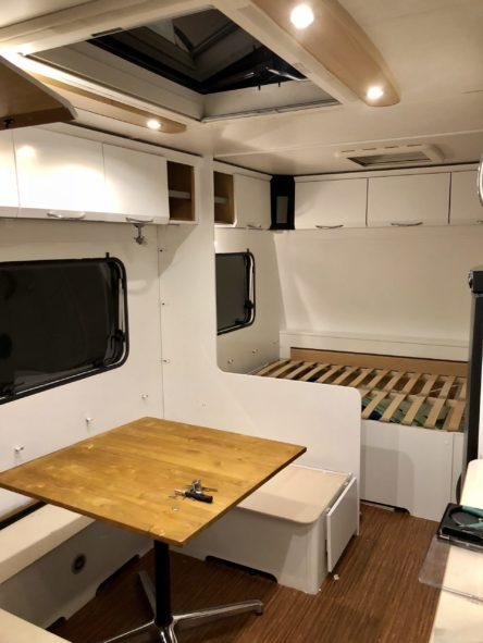 Camping Caravan Reno Wohnwagen nach dem Streichen mysmallhouse.de