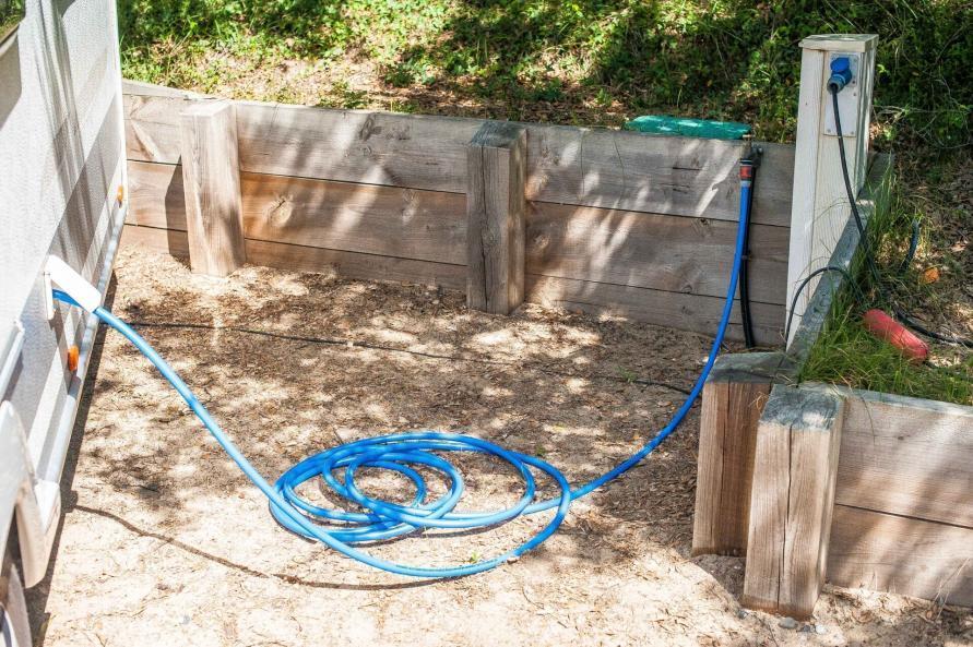 Wohnwagen Wasserversorgung Frischwasser auffüllen Frischwassertank Wasserschlauch Trinkwasserschlauch Gartenschlauch