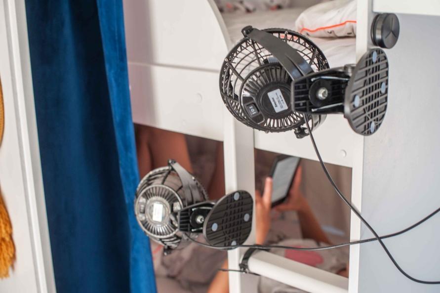 Wohnwagen Sommer Hitze Temperatur senken Lüfter Klimaanlage nachrüsten nachts schlafen Wohlfühlklima