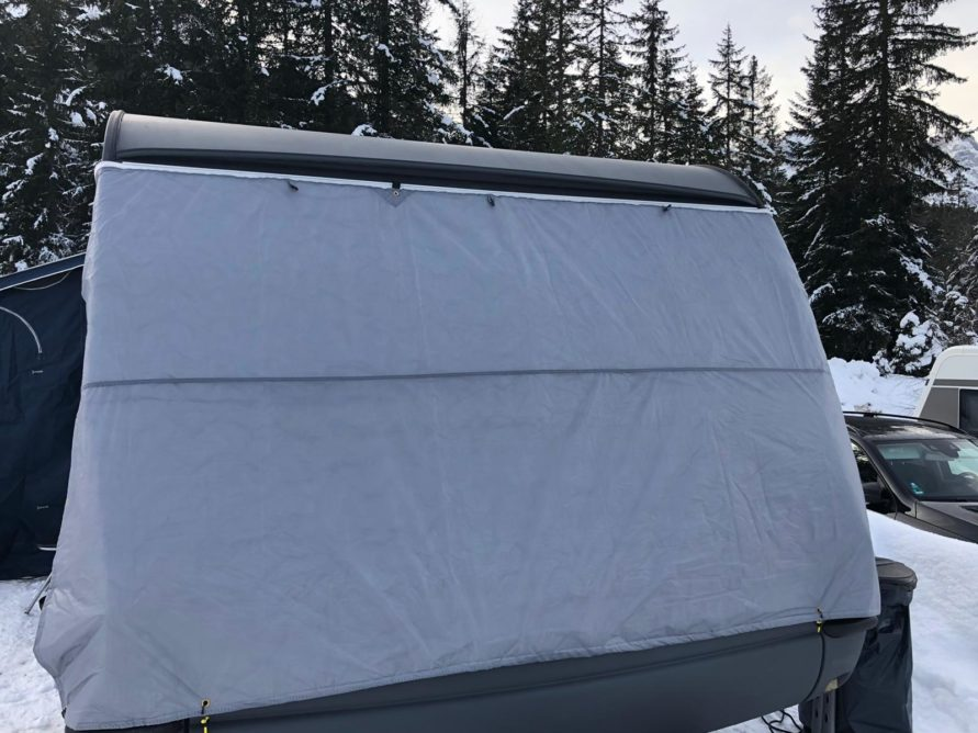 Bugschutzplane Hindermann Wohnwagen nachrüsten Isolierung Einfrieren Gaskasten Abdeckung DIY Isolierung