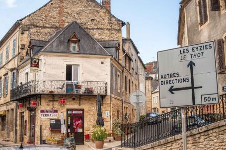 Städtetour Montignac - Burg über der Stadt