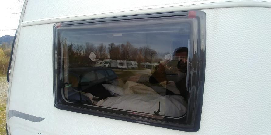 Acryl Wohnwagen Fenster Acrylglas Seitenscheibe getönt am Wohnwagen neu ausgetauscht MYSMALLHOUSE.de