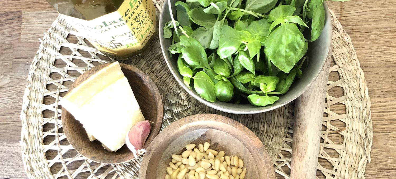5 Zutaten Basilikum Pesto Rezept fürs Camping oder daheim