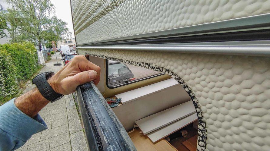 Wohnwagen Fenster tauschen - ausbauen des Planet Wohnwagen Seitenfensters - komplettes Fenster herausnehmen