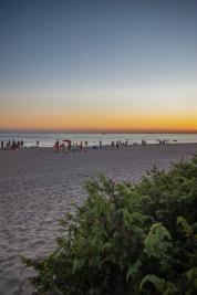 Strand mit Meerblick und Sonnenuntergang - Camping in Apulien