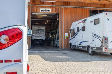 Caravan Service Werkstatt Stehmeier Blick in die Werkstatt