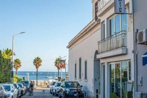 Stichstraße mit Blick auf das Meer in Santa Maria di Leuca - Hinterland von Salento