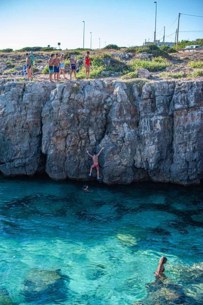 Klippenspringen am Meer - Hinterland von Salento