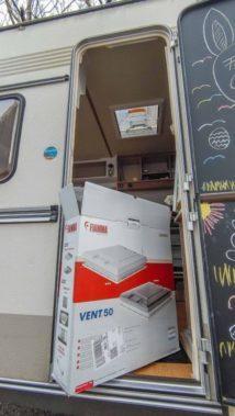 Caravan Makeover - das neue Dachfenster für den Einbau in unseren Wohnwagen