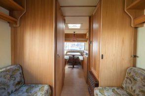 Caravan Makeover - original Zustand des Retro Fendt 495 T Favorit Wohnwagens - Blick nach vorne
